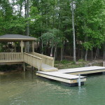 Floating DockL-shape with Low Profile Pilings